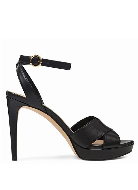 Nine West İnce Topuklu Deri Sandalet Siyah